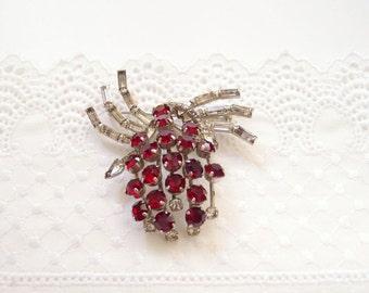 Art Deco 1930s Brooch Pin / Grape Cluster Red & White Glass Rhinestones