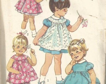1970s Toddler Girl Dress Pinafore Panties Peter Pan Collar Puffed Sleeves Simplicity 9289 Size 1 Baby Toddler Girls Vintage Sewing Pattern