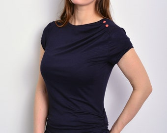 dark blue jersey top with buttons by STADTKIND