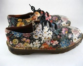 Dr. Martens floral lace up oxford sneakers. Doc Martens 90s rare 3 hole leather shoes. UK 5 / US 7 Womens