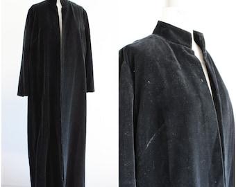 Vintage 1960s Black Velvet Coat / 60s Mod Duster / Full Length Opera Coat / Nehru Collar