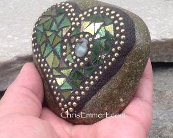 Iridescent Green Heart, Mosaic Garden Stone, Gardener Gift, Garden Decor, Mosaic Paperweight / Garden Stone