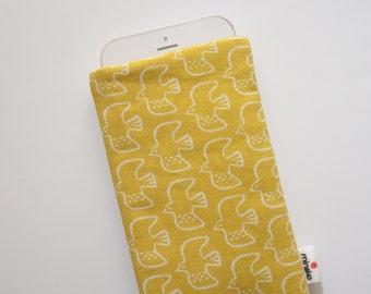 Birds yellow Case iPhone 5s SE 6s 6s Plus iPod Classic HTC One A9 LG G5 Samsung Galaxy S7 Edge Sony Xperia Z5 Compact Nexus 5X 6P Sleeve
