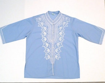 Embroidered Tunic Top Vintage Philippines Embroidery Caftan Blouse White on Blue Button Front Medium Large Shirt 1970s Dashiki Boho Hippie