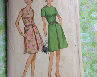 Vintage Simplicity 6296 Envelope Dart Dress Sewing Pattern 34 Inch Bust