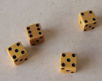 Vintage Bakelite Dice 1950s Dice Collector Retro Game Dice Gambling Set of Four