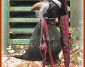 Christmas Crow, Primitive Christmas Crow, Santa Crow, Prim Santa