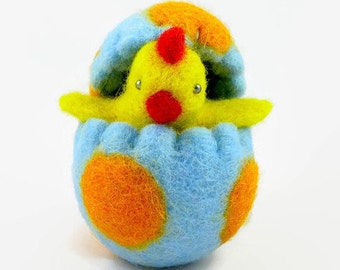 Wool Felted Easter Chick in an Easter Egg - Waldorf Toy - Easter Decoration - Spring Home Decor - Wool Easter Egg - Wool Toy