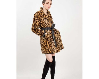 Vintage leopard coat / 70s animal print Faux fur jacket with belt S M