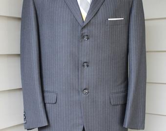 vintage 1960's -Kingsridge- Men's 2 piece suit. Charcoal Flannel pinstripe - All wool. 3 button 'sack'  w flat front pants. Size 39 - 40 Reg