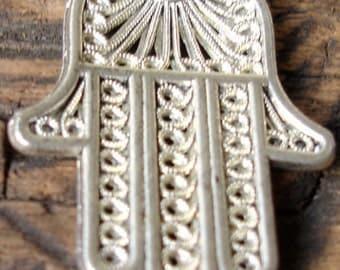 Moroccan Hand with diamante (codeB)