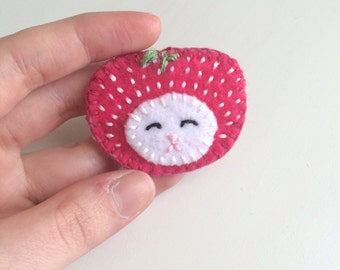 Strawberry Cat Head - Felt Brooch