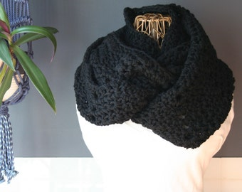 Crochet Chevron Infinity Scarf,Knit Inifinty Scarf,Cowl Scarf,Chunky Knit,Oversized Scarf,Neck Wrap,Loop Scarf,Mens Scarf,Womens Scarf,Black
