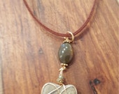 Boho Jewelry Beautiful Beige Gold Wrapped Heart Stone with Olive Green Agate Gem