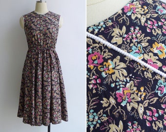 Vintage 80's 'Modern Cheongsam' Navy Blue Floral Print Cotton Dress XS or S