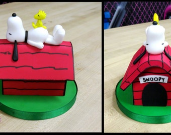Snoopy On Dog House Cake Topper (With Woodstock)