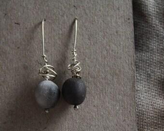 Grey earth. Ceramic/silver earrings