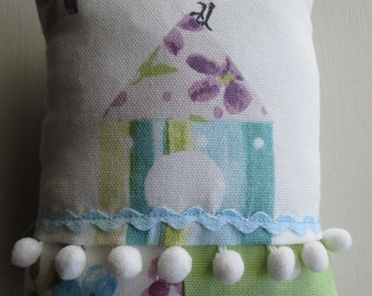Bird Pincushion / Pin cushion (1)