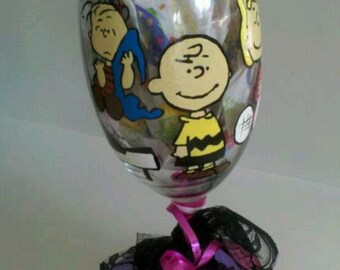 decorative peanuts gang inspired charlie brown linus lucy snoopy woodstock hand painted wine glass cups