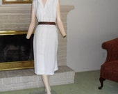 White Dress Size 14 Sleeveless Button Front Knee Length Plus Size Vintage Clothing
