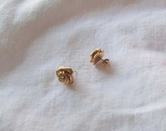 One Pair of Solid 14K Yellow Gold Rosebud Stud Earrings