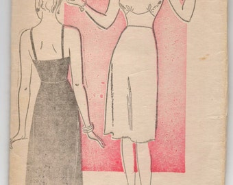 "1940's Full Slip Pattern with Thin Straps by New York - Bust 38"" - No. 682"