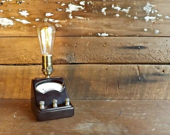 Industrial lamp Edison light Steampunk lamp Bedside lamp Vintage gauge lamp Table lamp Desk lamp Industrial night light Bakelite lamp