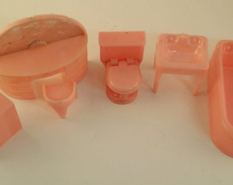 Vintage Dollhouse Furniture -- Plasco Pink Bathroom Sink, Bathtub, Toilet, Vanity, Stool and Hamper -- Great for Tin Litho Dollhouse