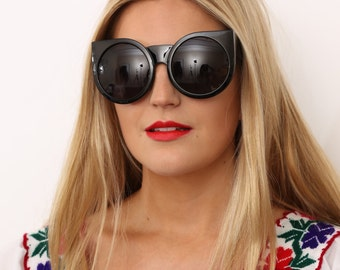 Vintage Style Black Round Oversized Sunglasses
