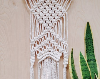 Macrame Wall Hanging-on driftwood