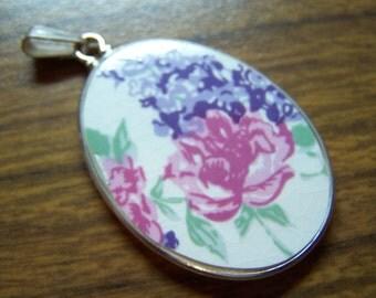 VINTAGE RED ROSE Ceramic Pendant