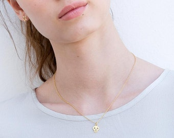 Skull Necklace, Tiny Gold Skull Necklace, Delicate Skull Pendant Necklace, Dainty Gold Plated Pendant Necklace, Tiny Gold Pendant Necklace