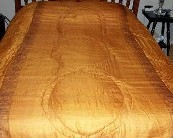 Silk  Queen  Comforter