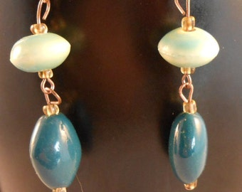 Blue dangling ceramic bead earrings,dangling ceramic earrings,blue ceramic earrings,dangling bead earrings
