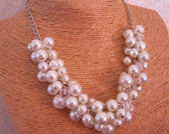 Ivory Pearl Bridesmaid Necklace, Chunky Cluster Necklace, Ivory Pearl Necklace, Bridesmaid Gift