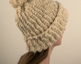 Women's Chunky Crochet Hat With PomPom