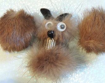 Fabulous Figural Mink Brooch and Earrings