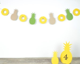 Pineapples Paper Garland 5 ft.