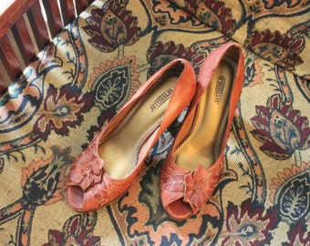 Vintage Brown Leather Peep Toe Pin Up Style Seychelles Heels / Pumps