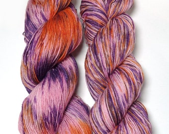 Hand Dyed Sock Yarn Superwash Merino Nylon Fingering Weight 100 g - Hot Pants*In Stock
