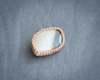 Beige brooch, brown brooch, oceanic jasper brooch, beige macrame brooch, semiprecious stone, brown semiprecious stone, raw brooch