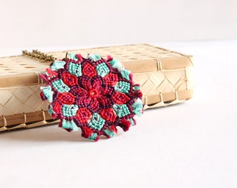 Ethnic necklace with macramè mandala flower pendant boho hippie red aqua / long necklace multicolor