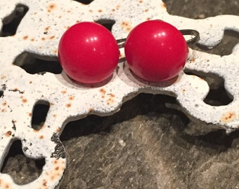 Vintage Red Resin Circle Screw On Earrings