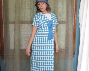 1960s Blue White Houndstooth Dress Jonathan Logan 60s Shift Dress Cheslea Collar Bow Dress 60s Mod Sailor Collar 1920s Style Flapper