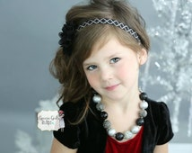 Black and silver chunky bubblegum bead necklace for little girls. Christmas accessory, New Years necklace for girls. Photo prop.