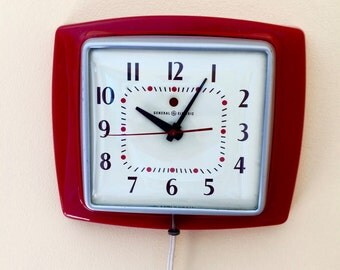 1945 GE Telechron Red Wall Clock 2H24