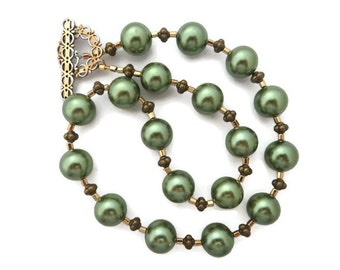 Chunky Green Necklace, Olive Green Necklace, Glass Pearl Necklace, Big Green Necklace, Sage Green Beaded Necklace, Green and Gold