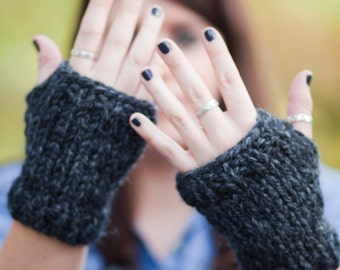Fingerless Knit Wristwarmer Mittens || THE SHERMANS || Charcoal