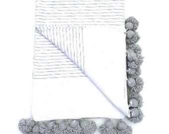 Moroccan Cotton Pom Pom Blanket