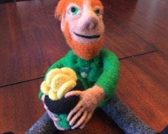 Needle felted leprechaun, needle felted art doll, St. Patrick's Day decoration